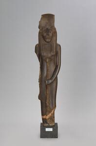 セクメト神立像