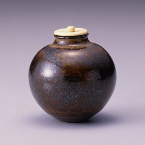 《唐物文琳茶入 銘「宝袋」》 元時代 13世紀後半-14世紀 陶器